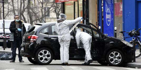 4550811_3_9f54_la-police-et-les-experts-inspectent-la-voiture_eeaf2d09e8a07873e3d43f89cc600ee1