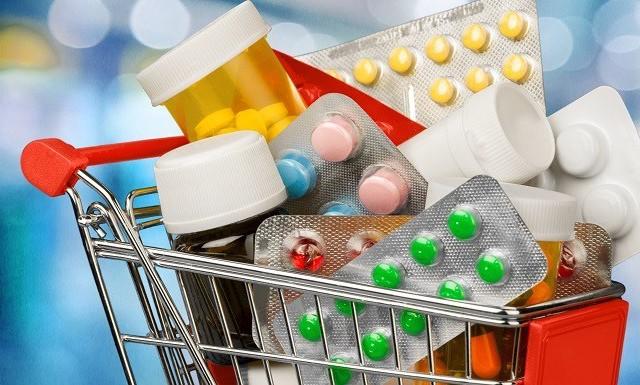 أزمة الأدوية: «الـCNAM ماخذة التونسي رهينة.. ومفلسة الصيدلية المركزية»